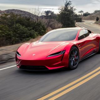 Tesla hann lova bort 80 exemplar av den kommande Roadster-modellen innan den möjligheten försvann från hänvisningsprogrammet. Foto: Tesla