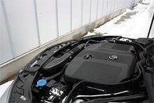 Under plastsjoket ruvar marknadens kanske allra modernaste dieselteknik. Ur 2,2 liter och fyra cylindrar pressas 204 hk och 500 Nm. Samma nyutvecklade motor kommer även med 136 (200 CDI) respektive 170 (220 CI) hästkrafter inom kort.