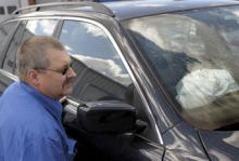 Krockkuddarna i Lars-Åke Ahnstedts BMW löste ut när han vred på tändningen.