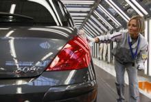 Kvalitetsgruppen har ett omfattande program att följa, kontrollerna av nya bilmodeller har ökat år för år.