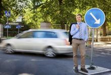 - Det ska vara snabbt och enkelt för kunden att kunna jämföra vad olika försäkringsbolag har att erbjuda, säger Erik Lif på Insplanet, ett företag som erbjuder gratis hjälp och rådgivning vid val av bilförsäkring.