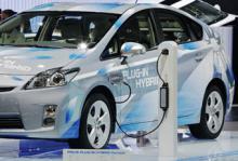 Toyota Prius som laddhybrid till Sverige