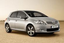 Toyota Auris blir hybrid