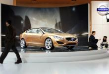 Nya Volvo S60 visades för första gången på bilsalongen i Detroit i januari 2009.