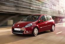 Renault Clio avancerar 21 placeringar.