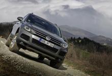 Se Volkswagens första hybrid i rörelse