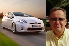 En nästan ny Toyota Prius är bästa köp för Roland Fransson.