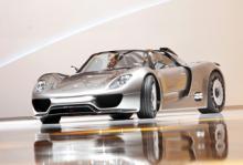 900 personer vill köpa Porsche 918 Spyder