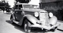 1935 års Auburn med convertible sedan-karosseri.