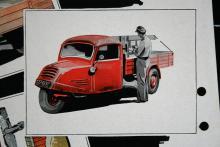 Såväl personvagnarna som de trehjuliga bruksfordonen  kom till Sverige genom  ANA:s försorg. De här  bilarna kallades  GD 750 men  cylindervoly- men var bara  396 cc!