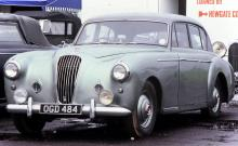 Åren 1953–58 byggdes 430 ex av trelitersmodellen, en del av dem som dropheads.