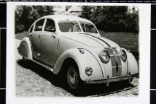 Adler 2,5 Liter var märkets strömlinjeformade modell och byggdes åren 1937–40. Räknades som årets sensation när den presenterades. 2,5-litersbilen var bakhjulsdriven och fanns också att köpa i cabrioletutförande. Dessutom byggdes en ännu fräsigare sportcoupé i ett fåtal exemplar.