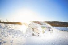 Greppet på snö är oftast ett mindre problem för ett bra vinterdäck. Skillnaderna mellan testdäcken är också förhållandevis liten, när det handlar om att starta eller bromsa. Kurvgreppet varierar desto mer.