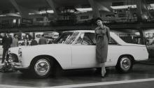 Lancia Flaminia Coupé, en stor vagn med vacker Pininfarina-kaross fotograferad på Turin-salongen 1958.
