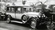 Lincoln 1927. Ballongdäck och fast solskydd var standard. Hjul av artillerityp, som här, var måhända standard, men trådekerhjul var minst lika vanliga.