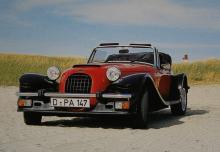 I Tyskland såldes Panther Lima av Auto-Becker i Düsseldorf, men troligen sålde man fler Ferrari. 30-talsskärmarna kompletterades här av föga klädsamma sprutskydd.
