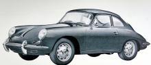Porsche Carrera GT från 1962, en racer i söndagskostym – till och med navkapslar har den! Fyra kamaxlar och 130 hästar vid 6200 varv i tvålitersmotorn. Tomvikten låg på 1010 kilo och toppfarten angavs av fabriken till 200 knutar.