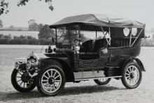 1907 års 20HP var ett första försök att bygga stor bil, men de följande decennierna blev det mest små bilar.