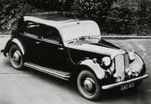 Twelve Sports Saloon från 1947 – så här såg Rovers bilar ut åren 1937–49. Inte spännande men solida.