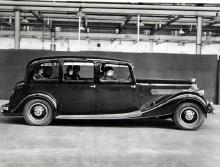 Under 30-talet byggde Wolseley bilar i alla storlekar. Limousinen är en Series II Super Six från 1935–37.