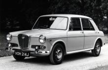 Wolseley 1300 var den mellanstora Hundkojan med annan front. Fyran var på 1 275 kubik och det fanns automatlåda för den som så önskade.