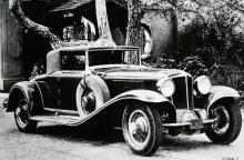 Cord L29 som tvåsitsig cabriolet. Herr Cord såg till att anlita tidens mer framstående formgivare, men lade sig också i arbetet själv.