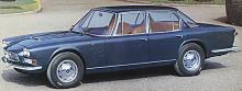 Quattroporte byggdes åren 1964–71 i 760 exemplar. Fyra Weber-förgasare och femväxlad manuell låda eller automat.