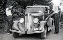 30-talets första lilla modell var 4-cylindrig och såldes även i Sverige. Den var en sorts kompaktbil långt innan termen fanns.