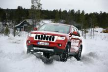 Jeep Grand Cherokee är duktig på att ta sig fram i djup snö.