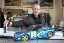 Stig Nylund, Subaru-handlare i Älvdalen, satsar på en personlig kontakt med sina kunder. Det har lönat sig väldigt bra.