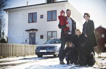Även om det inte är särskilt ofta som hela familjen Fritzén åker bil tillsammans så vill Anna och Arvid att de ska kunna göra det så säkert som möjligt. Därför blir det bilbyte till sommaren till en sjusitsig bil.