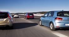 Dieselbilarna har på rekordtid kopplat greppet om de svenska nybilsköparna och i toppen på försäljningslistan ligger både VW Golf och Volvo V60, som båda finns med i vårt brytpunktstest. För bara fem år sedan låg andelen dieselbilar på knappt tio procent, medan 85 procent av de nya bilarna var bensinare. I dag dominerar dieseln totalt och hittills i år är drygt 60 procent av de nyregistrerade personbilarna dieseldrivna.
