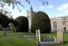 St. Mary's Parish Church i Amersham är en av många stenkyrkor som höjer sig över de små samhällena i Buckinghamshire.