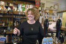 Alla pubar försöker hitta sin profil, säger Rebecca Roberts, servitris på prisbelönta The Frog Inn.