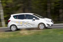 Även Opel experimenterar med batteridrivna elbilar men menar att problemen med laddningstider och räckvidd är för stora för att de ska slå.
