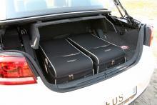 Volkswagen har tagit fram ett par väskor som fyller bagaget exakt. De kostar cirka 1 000 kr styck.