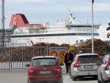 Destination Gotland trafikerar i år sträckorna Visby–Oskarshamn och Visby–Nynäshamn. För resor under midsommarhelgen och semestermånaderna i juni–juli gäller det att boka biljetter i god tid.