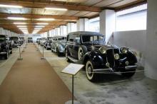 I Sloveniens tekniska museum finns bland annat en hoper bilar som använts av presidenten i den Jugoslaviska Socialistiska Federationen, Josip Tito, 1892–1980. Han åkte bland annat Horch (längst fram), Mercedes-Benz, Zil, Packard, Lincoln och Cadillac.