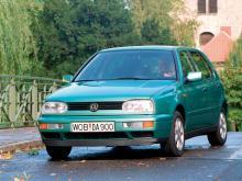 Volkswagen Golf - femma 1995.