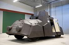 """Den svenska pansarbilen """"Paddan"""" var en dyr satsning för försvaret. Det enda exemplaret kostade 50 000 kronor."""
