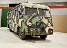 Museet i Strängnäs kommer också att visa en buss som var tänkt att användas som ledningscentral för statsminister Per Albin Hanssons stab under andra världskriget. Tänk tanken att Sverige skulle styras från den här bussen!