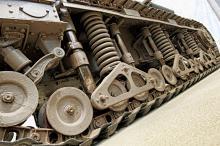Många stridsvagnar visar upp ett intressant yttre som berättar om industridesign från förr.  Det här är den franska Renaultvagnen som i Sverige kallades fm/28.