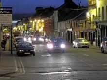 Turisttrafiken tar aldrig paus i Killarney.