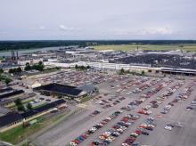 Saab arbetar nu för att komma överens med sina leverantörer om att återstarta produktionen i Trollhättan.