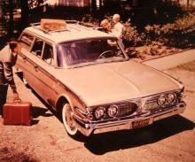 1960 hade Edsel nästan samma utseende som vanliga Fordar, men det hjälpte inte. Fabriken hann inte ens bygga 3000 exemplar innan produktionen upphörde.