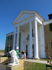 Randers eget Graceland är en större kopia av Elvis eget hus i Memphis.