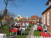 Bröndums restaurang och hotell i Skagen är värd en liten resa. Buffébordet som dukas upp på helger håller hög klass.