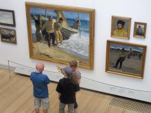 I Skagens museum hänger de berömda målningarna från fiskeläget och stränderna.