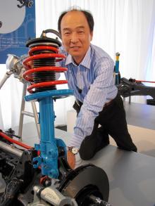 Masanobu Komashi leder Mazdas chassigrupp med uppdrag att inte bara göra bilarna snålare, dessutom ska de blir roligare att köra!