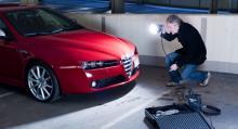 Daniel Östlund, reporter på tidningen Automobil, lär dig professionell bilfotografering.